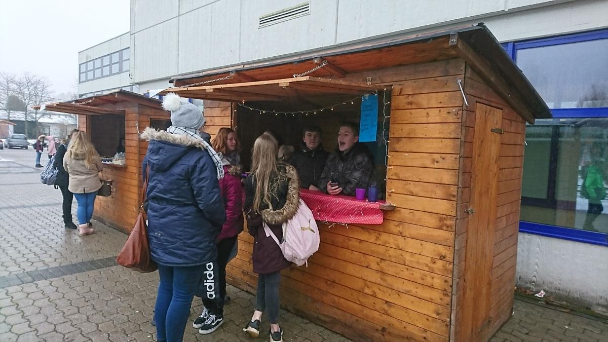 Tag der offenen Tür und Weihnachtsmarkt waren voller Erfolg